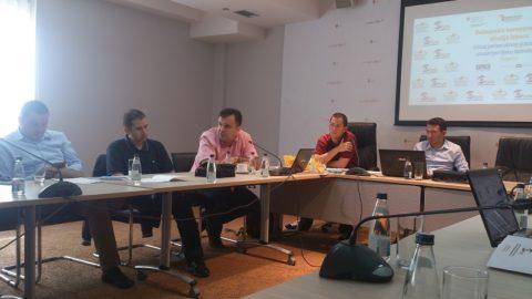 Research team held preparatory meeting