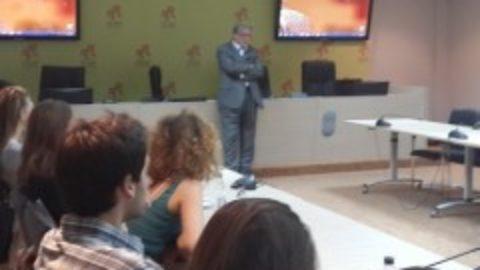 Nacionalni koordinator za NATO u Vladi Crne Gore i savjetnik predsjednika Vlade Crne Gore za vanjsku politiku, ambasador Nebojša Kaludjerović održao predavanje u Školi za evroatlanske integracije